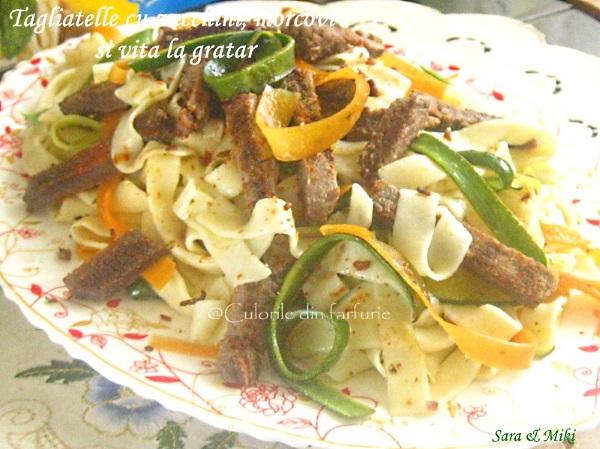Tagliatelle-cu-zucchini-morcovi-si-vita-la-gratar-3-1