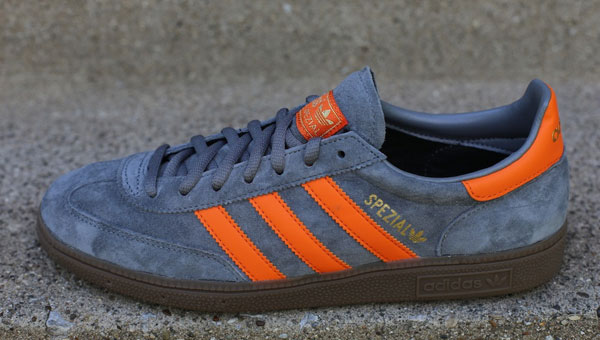 Manhattan foro Adelantar  adidas Originals Spezial Dark Grey / Orange | Cult Edge