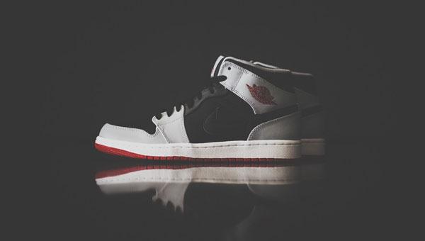 Air Jordan 1 Mid Black / Gym Red-Wolf Grey