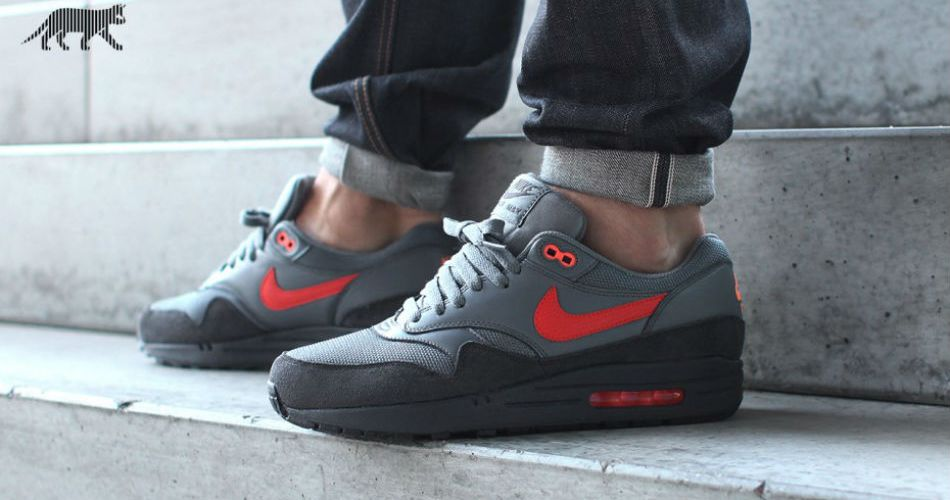 ce80eb503d1 Nike Air Max 1 FB gets an Anthracite Team Orange colorway