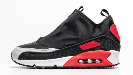 The Nike Air Max 90 Gets Shrouded for the Season