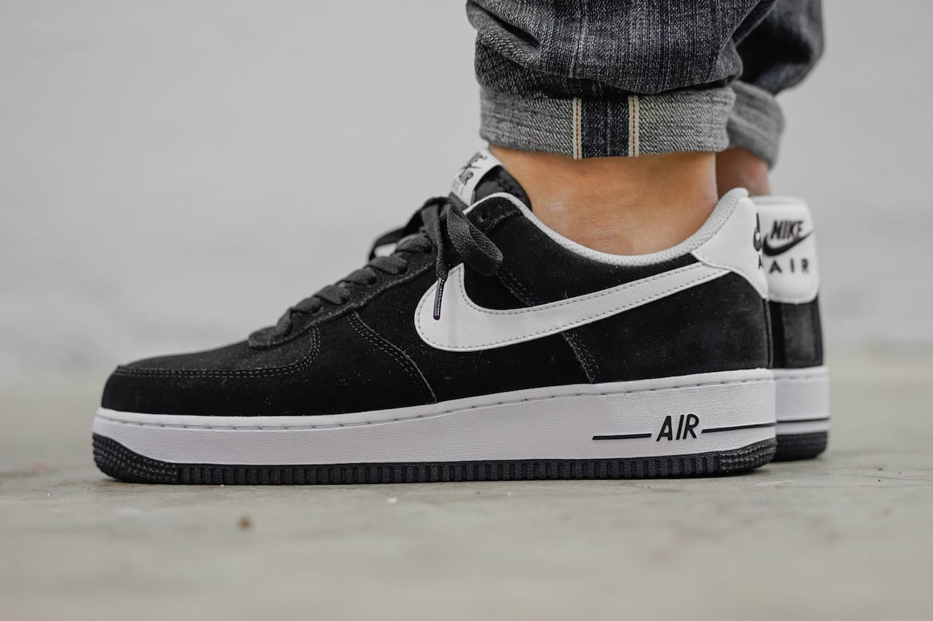 hambruna kiwi Espinas  Nike Air Force 1 Suede Black (Available Now) | Cult Edge
