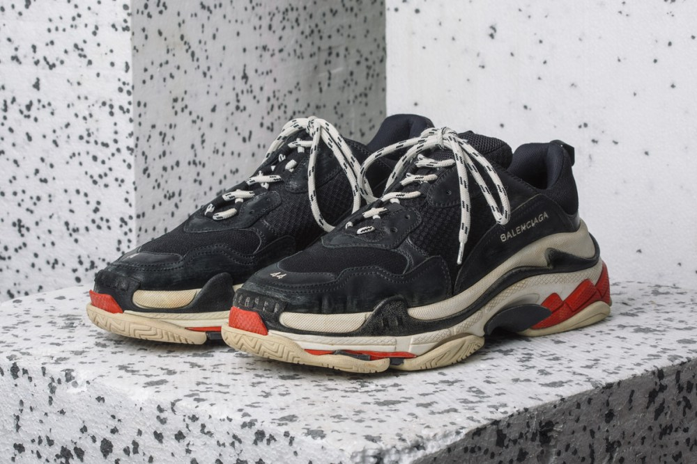black balenciaga triple s