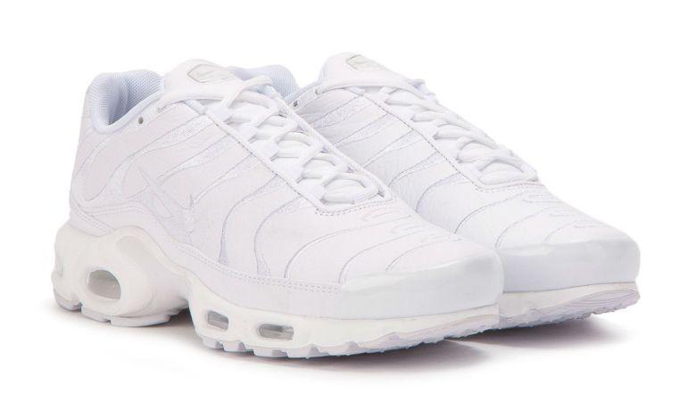 Nike Air Max Plus Goes Triple White