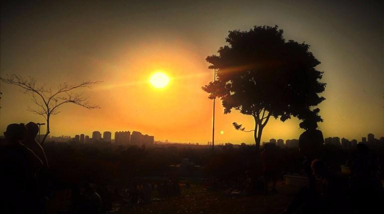 Conheça a Praça do Pôr do Sol