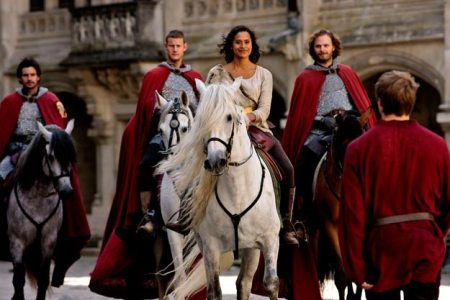 Merlin-Series-3-The-Coming-Of-Arthur-Part-2-Pics-(14)