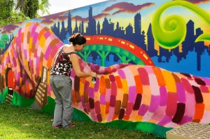 brooklyn-street-art-lady-pink-martha-cooper-wynwood-walls-2013-miami-web-2