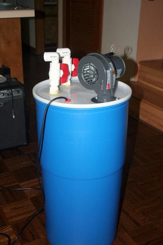 L'humidificateur est important pour garder l'atmosphère des champignons humide