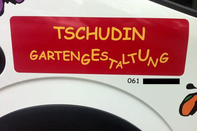 "Comic Sans in German that says ""Tschudin Gartengestaltung"""