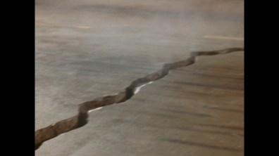 Earthquake TV cut cap 10