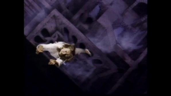 Hellbound: Hellraiser II TV spot 1 cap 2