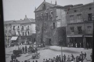 Casa del primer Marqués de Cerralbo. Grutesco, cornucopias y un parto truncado.