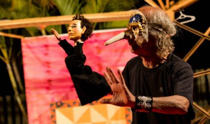 João das Neves em cena. Foto: Daniel Brito/Divulgação
