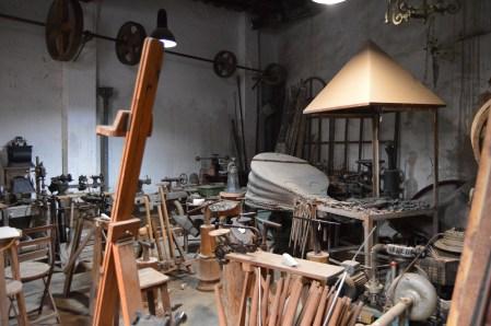 Algunas de las herramientas y máquinas con las que se han trabajado en el taller tienen más de cien años - Fuente propia