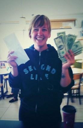 El millonario que regala plata @hiddencash @culturageek