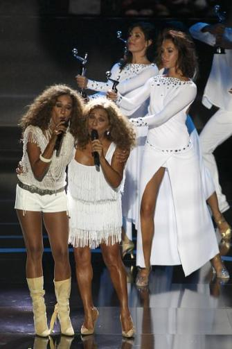MARBELLA, SPAIN - JULY 18:  Singers Rosario Flores and Lolita Flores perform at TNTLA Platino Awards 2015 at Starlight Marbella on July 18, 2015 in Marbella, Spain.  (Photo by Daniel Perez/Getty Images for TNTLA)
