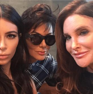 Der a izq: Kim, Kris y Caitlyn