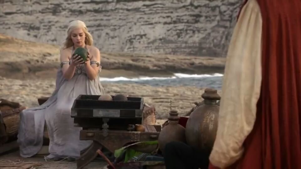 Game of Thrones: ¿De dónde sacó Daenerys los huevos de