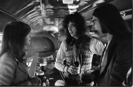 Led Zeppelin private jet5