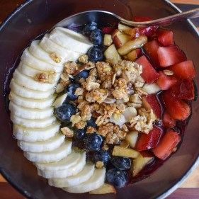HI Blend Health Cafe Acai Bowl, Oahu Hawaii