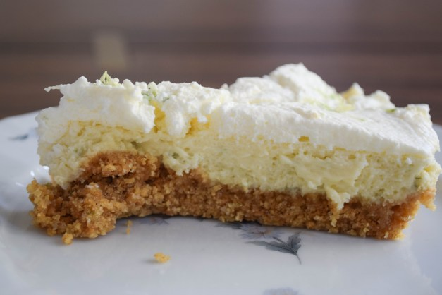 Slice Key Lime Pie