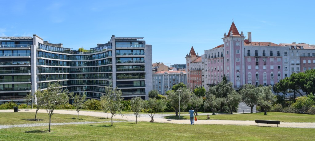 Old and modern construction: Lisbon, Portugal