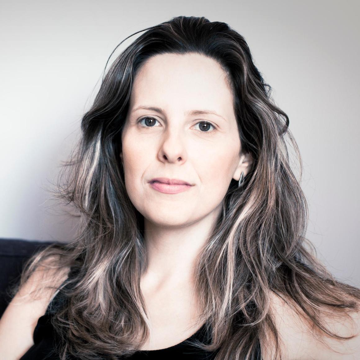 A escritora e roteirista Tati Bernardi lança seu quarto livro. Foto Dilvulgação