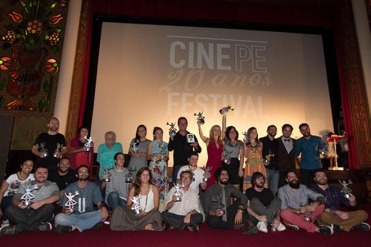 Os grandes vencedores do CinePE 2016. Foto: Daniela Nader/Divulgação.