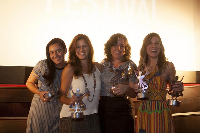 As pernambucanas: Tauana Uchôa, Carol Correia, Roberta Jansen e Marianna Brennand. Foto: Daniela Nader/Divulgação.