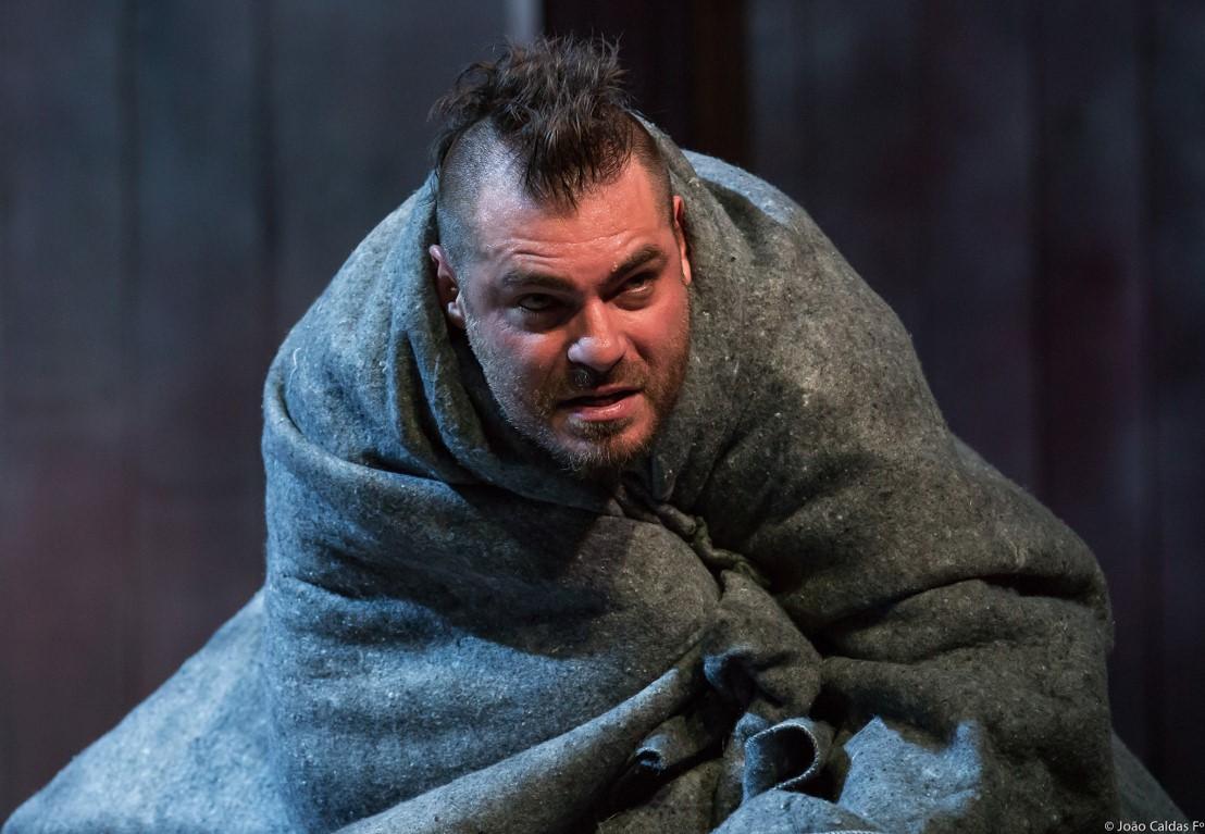 Thiago Lacerda como Macbeth. Foto: João Caldas/ Divulgação