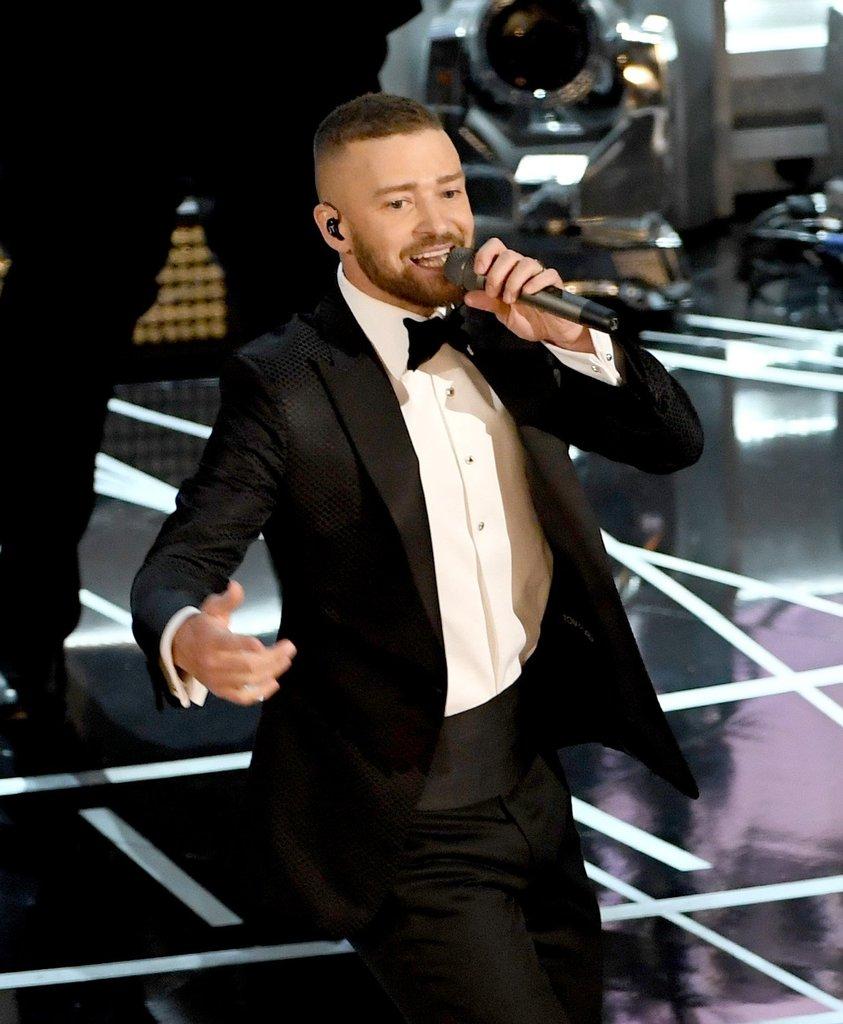 Melhor abertura! Justin Timberlake abre a cerimônia com a apresentação de uma das músicas que concorriam à Melhor Canção, Can't Stop The Feeling em Trolls. Foto: AFP/Getty Images.