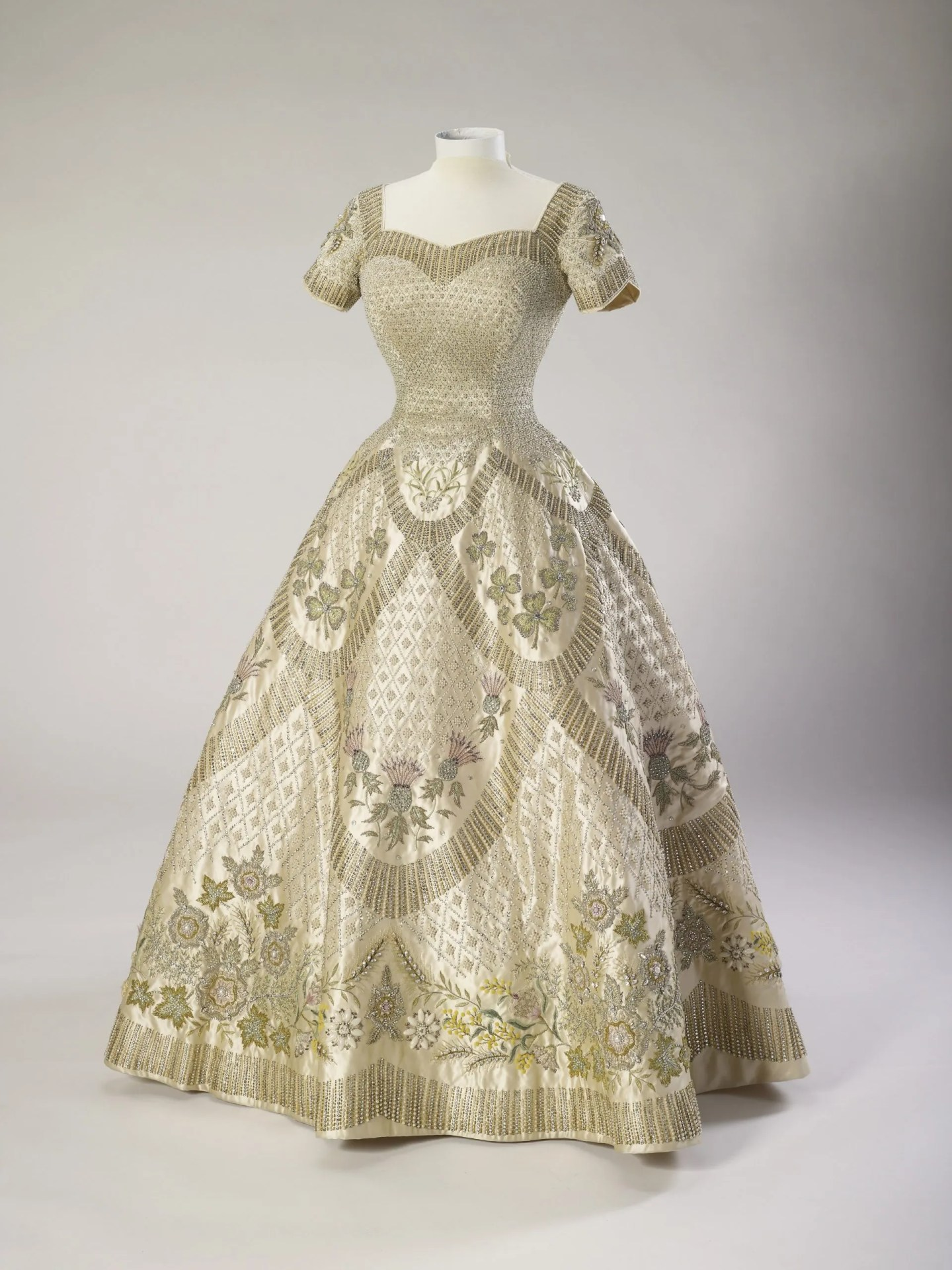 Her Majesty The Queen's Coronation dress, 1953, Norman Hartnell Royal Collection Trust © Her Majesty Queen Elizabeth II 2016