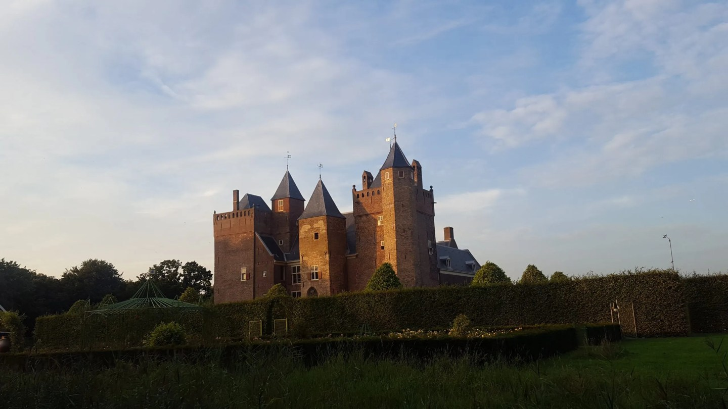 STAYING IN A DUTCH CASTLE WITH TEENS