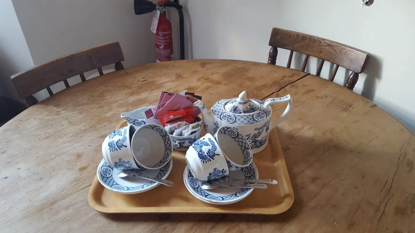 Old Chelsea tea set on table in Landmark Trust Rome