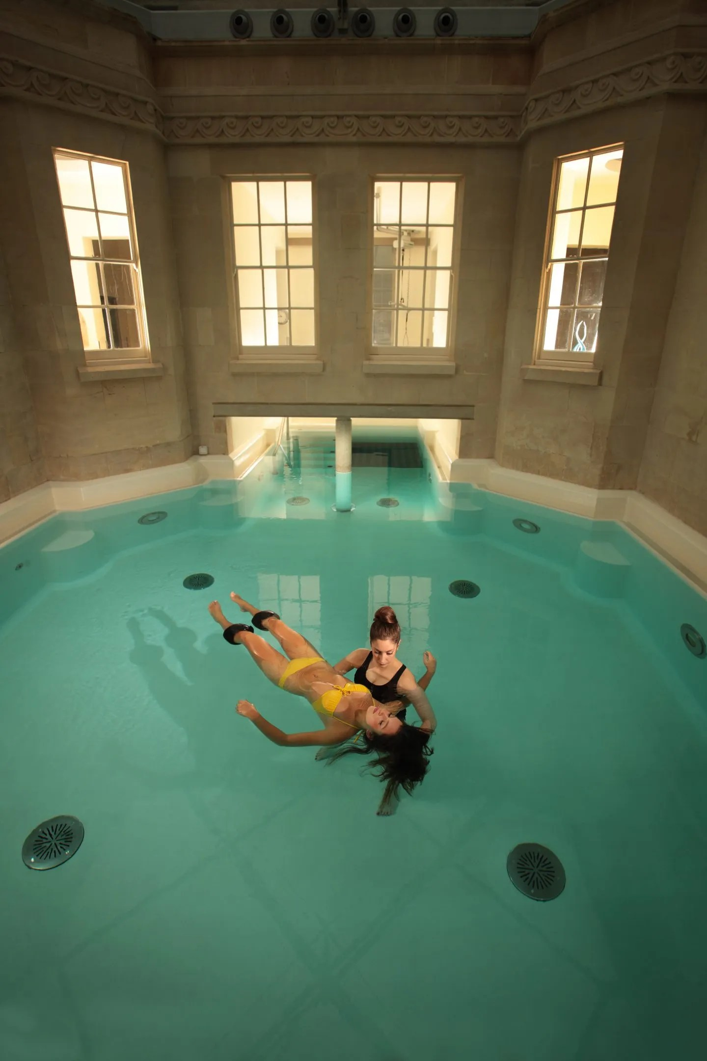 Watsu massage in Hot Bath Thermae Spa