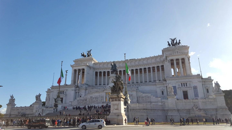 Vittoriano Rome Wedding Cake