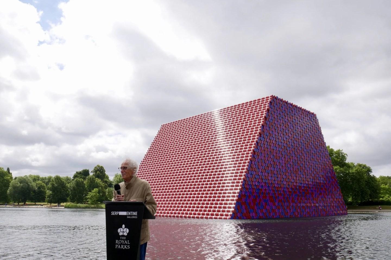 Christo unveils London Mastaba