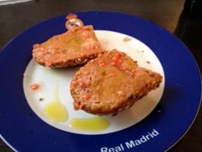 Homemade pan con tomate (Thomas Rees)