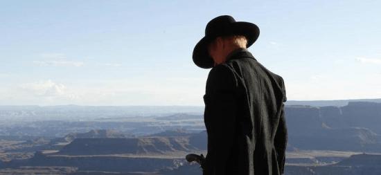 (O homem sem nome. Mais um estereótipo do western presente em Westworld?)