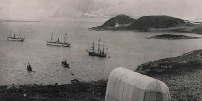 Polfarer og amerikaneren Walter Wellmans base (1894) i Virgohamna. foto: www.polarhistorie.no