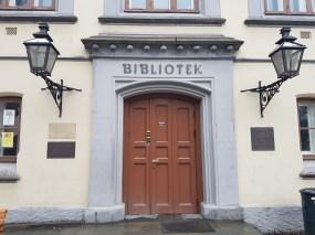 Kanskje Olavskirkeruinen er i biblioteket? Foto: Siri Wolland