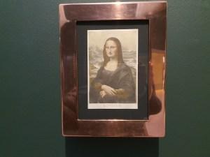 Marcel Duchamp, L.H.O.O.Q, 1919. Foto fra utstillingen Siri Wolland.
