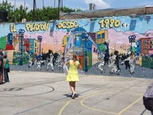 Gatebildene forteller historien. La Boca, en fargerik bydel i Buenos Aires. Foto Siri Wolland.