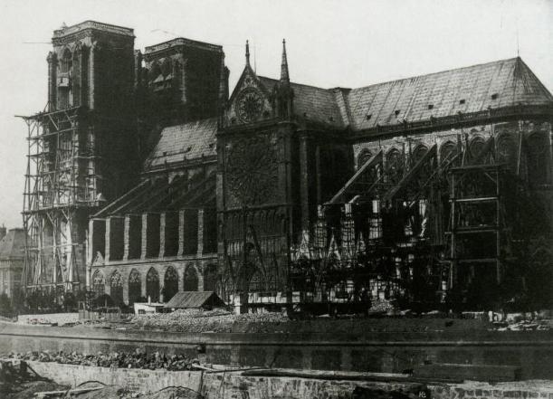 Notre-Dame-1847-Durant-la-restauration-2-H.-Bayard-800x578