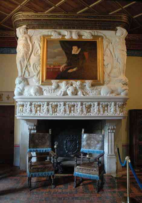 1024px-ChenonceauChambredeDianedePoitiersFireplace
