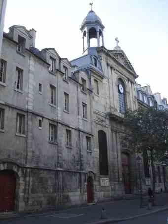 1024px-Rue_des_Archives-Eglise_des_Billettes.JPG