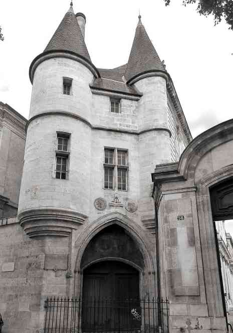 P1270720_Paris_III_rue_des_archives_n58_rwk