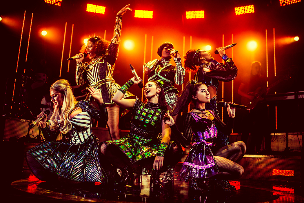 six reasons to see six the musical