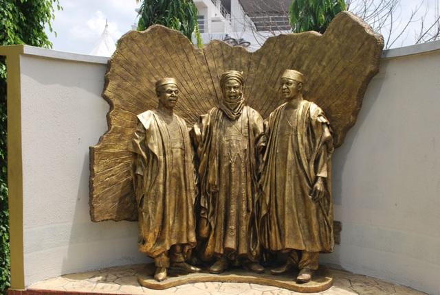 https://i1.wp.com/culturecustodian.com/wp-content/uploads/2014/04/National-Heroes-Statue.jpg?resize=640%2C430