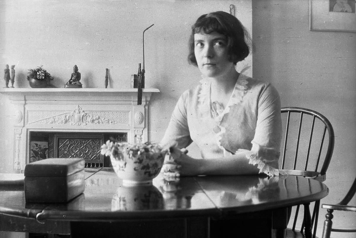 Katherine Mansfield's 'Green Goggles': A Gogol Pastiche